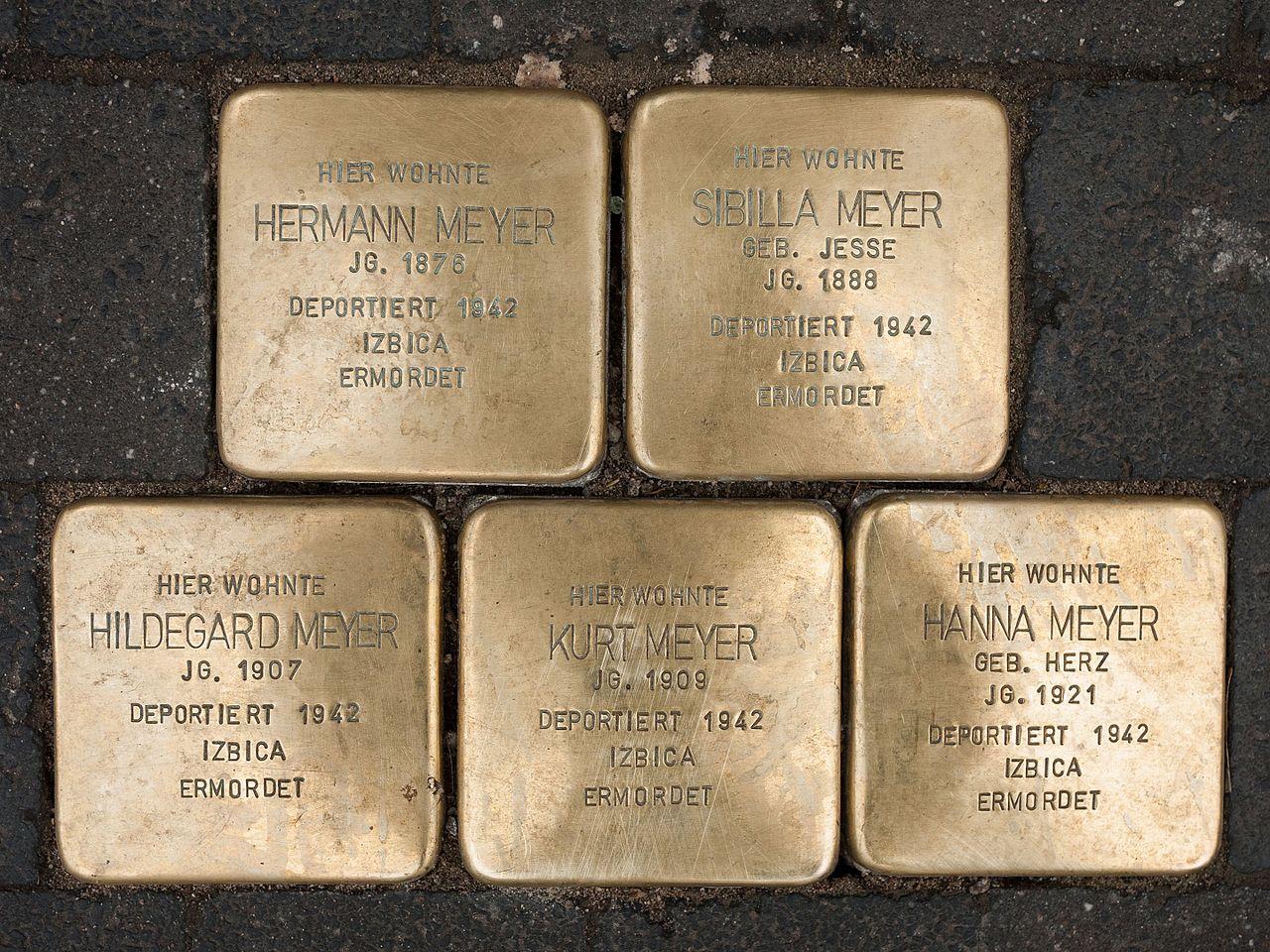 Stolpersteine Familie Hermann Meyer.jpg