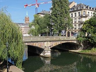 Canal du Faux-Rempart - Image: Strasbourg Pont Marché 01