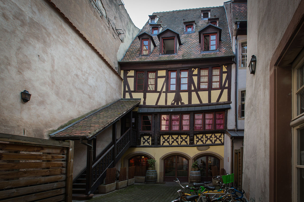1000 images about medieval timber houses on pinterest for Rue du miroir strasbourg