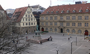 Schillerplatz (Stuttgart) - Schillerplatz showing the Fruchtkasten building on the left and Prinzenbau on the right. In the centre: the Schiller memorial