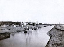 תעלה המובילה לאגם בעיר אסמאעיליה