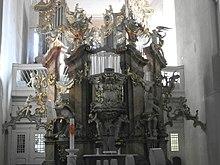 Kanzel und Wagner-Orgel (1762) zu St. Marien in Suhl (Quelle: Wikimedia)