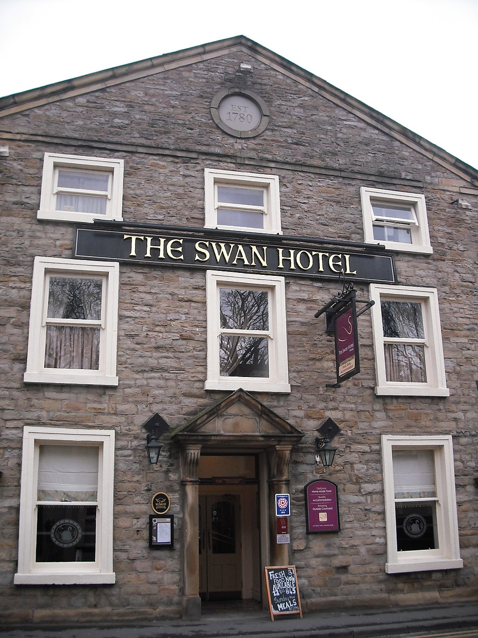 Swan Hote, Whalley