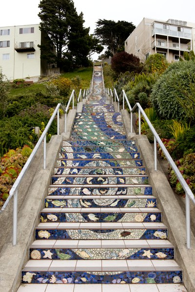 Datei:The 16th Avenue Tiled Steps Project, a neighborhood effort to create a mosaic running up the risers of the 163 steps located at 16th and Moraga. San Francisco, California LCCN2013630023.tif