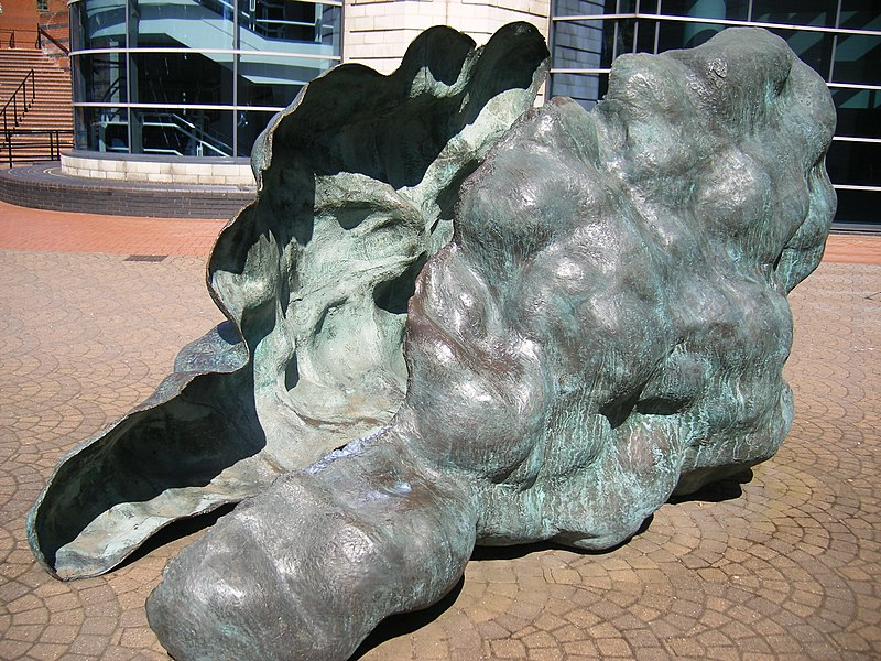 File:The Battle of Gods and Giants - Sculpture near The ICC.JPG