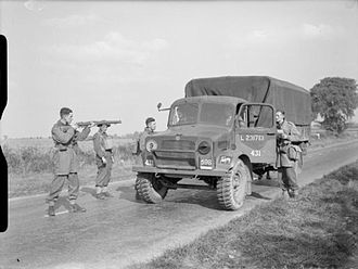Bedford OY - Parachute troops hold up an 'enemy' Bedford OYD lorry during Exercise 'Bumper', 2 October 1941