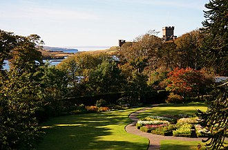 Dunvegan Castle - Image: The Round Garden, Dunvegan Castle