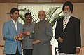 The first winner of an individual Gold Medal for India at the Beijing Olympic Games and International Shooting Ace, Shri Abhinav Bindra meeting with the Vice President, Shri Mohd. Hamid Ansari, in New Delhi (1).jpg