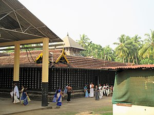 Tirunavaya Temple - The outer walls around the sanctum of the temple