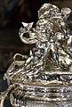 Thomas e françois-thomas germain, centrotavola del duca di aveiro, argento, parigi 1729-57, 03 putto con stella.jpg
