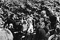 Tijdens een rijtoer op een boerenwagen, aan de leidsels Prins Willem Alexander ,, Bestanddeelnr 930-2412.jpg
