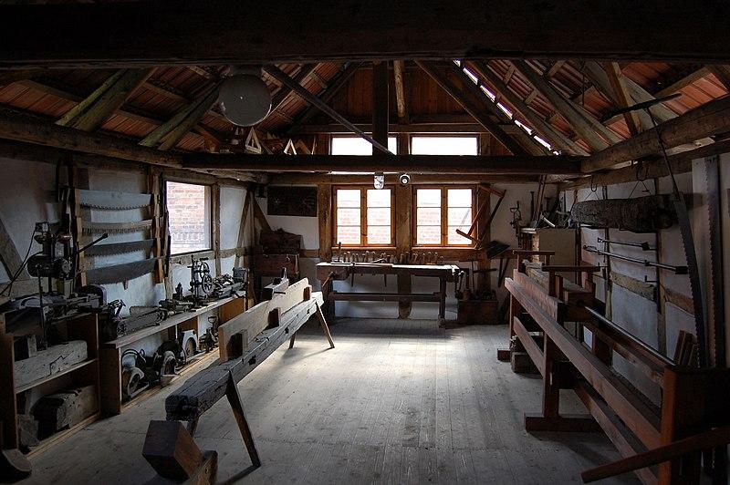 File:Tischlereimuseum Rüdiger Timme Werkstatt.jpg