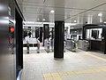 TokyoMetro-Uchi-Kanda-gate.jpg