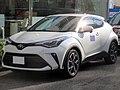 Toyota C-HR G-T 2WD・CVT (DBA-NGX10-AHXEX) front.jpg