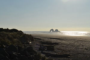Twin Rocks (Twin Rocks, Oregon).jpg