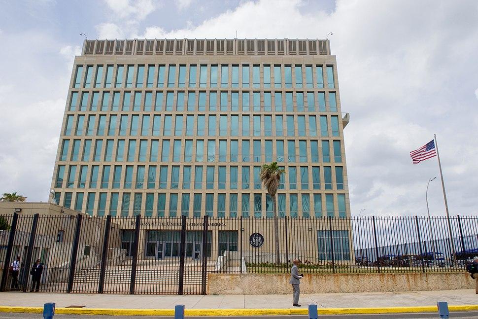 U.S. Flag Flaps Outside U.S. Embassy in Havana, Cuba (25998479275)