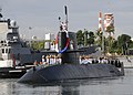 US Navy 110207-N-UK333-004 The Japan Maritime Self-Defense Force Oyashio-class submarine JS Uzushio (SS 592) arrives at Joint Base Pearl Harbor-Hic.jpg