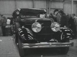 Bestand:Veiling antieke auto's-520080.ogv