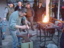 Velden Christkindlmarkt Schmied Demo 16122007 21.jpg