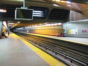 Vendôme station - Image: Vendome Montreal Metro