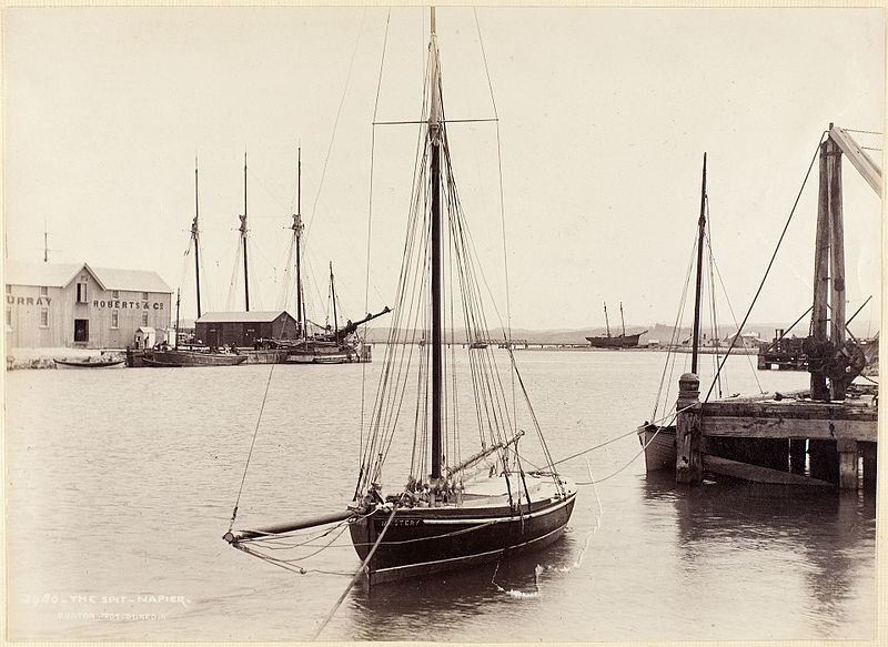 File:Vessels at The Spit, Napier, New Zealand 1880s nd Murray Roberts Woolstore.jpg