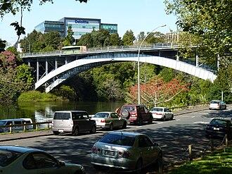 Hamilton Central - Victoria Bridge across the Waikato River.
