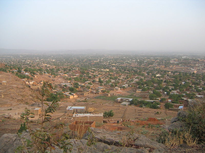 Ficheiro:View over Bamako - 20th February 2005.jpg