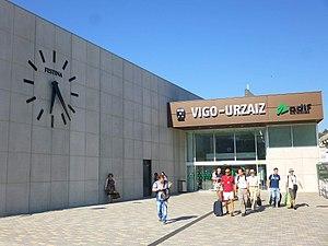 Vigo - Estación de ADIF de Vigo-Urzáiz 4.jpg
