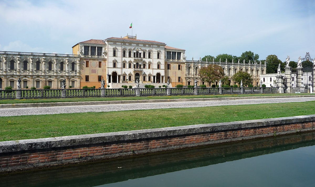 Ville Con Piscina Interna Lazio Paliano