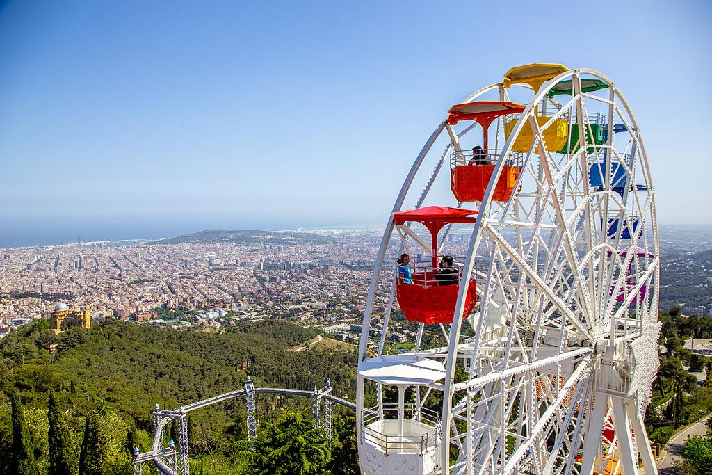 Grande roue au parc de Tibidabo à Barcelone.