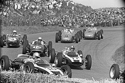 Vlak na de start, Brabham, Moss, Surtees, Taylor, Hermann, Bestanddeelnr 912-5054