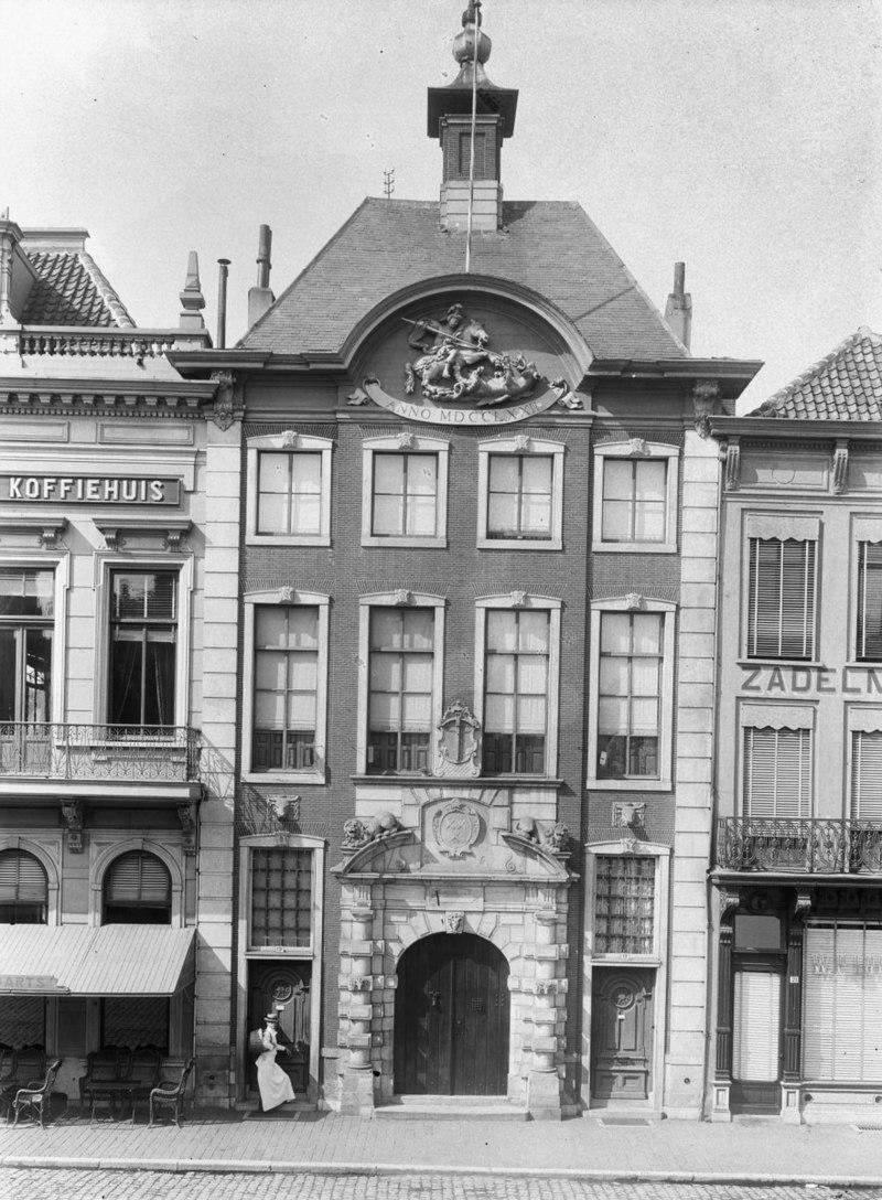 Voormalige vleeshal thans stedelijk en bisschoppelijk museum in breda monument - Beeld van eigentijds huis ...