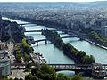 Vue sur Seine, de la Tour Eiffel, 2013.jpg