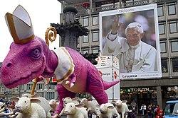 WJT2005-RZ-Dino-vor-Plakat