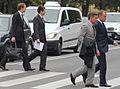 W drodze na konferencję prasową przy Łazienkach Królewskich (6166213488).jpg