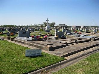Farm to Market Road 1952 - Image: Wallis TX Guardian Angel Cemetery