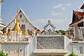 Wat Chiang Rai (29850913462).jpg