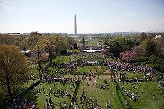 Egg rolling - The 2010 White House Easter egg roll