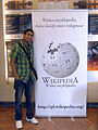 Wikimania 2010 - Waldir and the Polish Wikipedia logo.jpg