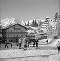 Wintersporters bij Igls, Bestanddeelnr 254-4334.jpg
