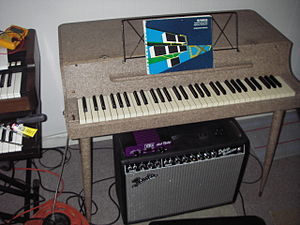 Music technology (electric) - A Wurlitzer model 112 electric piano plugged into an instrument amplifier.