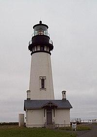 Yaquina Head Lighthouse Oregon 2010.jpg