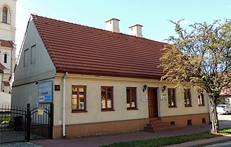 Zduńska Wola - An example of a 19th-century brick plastered weaver's house