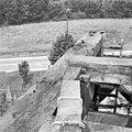 Zicht op de ingerotte daklijst van de Kortrijkse molen - Breukelen - 20042318 - RCE.jpg