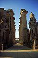 Ägypten 1999 (260) Tempel von Luxor- Säulenkolonnade (28228569041).jpg