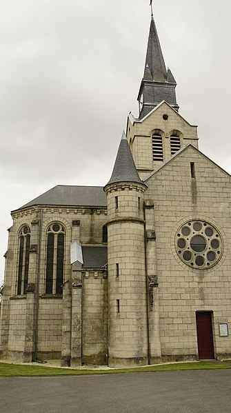 Vue depuis l'est de l'église ste-Marie à Py.