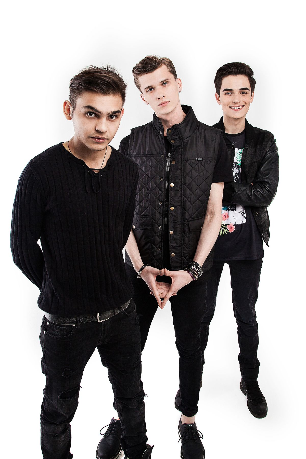 герои фото группы
