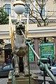 Мост Банковский с грифонами вид на грифона.jpg