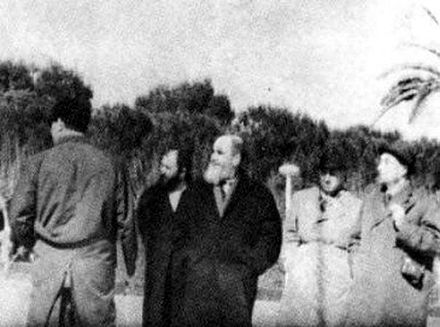 Khomeini in exile at Bursa, Turkey without clerical dress khmyny dr trkhyh.JPG