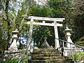 八幡神社の鳥居 下市町善城 Shrine gate of Hachiman-jinja 2011.4.21 - panoramio.jpg